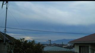 全曇り空に富士山